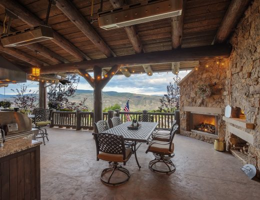 Outdoor Dining Vail Home